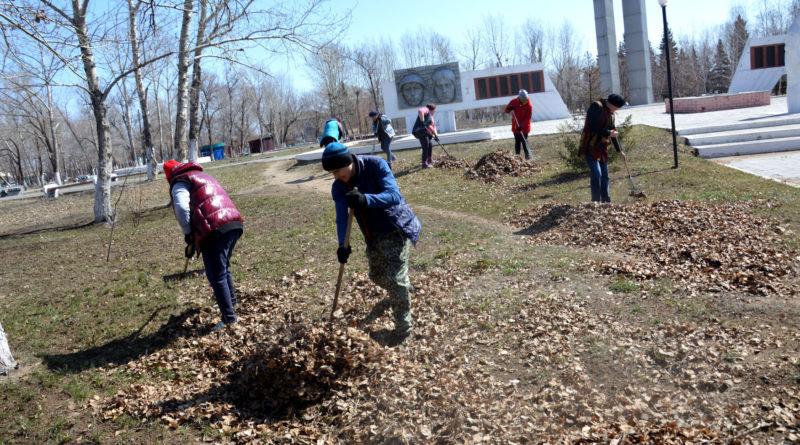 В парке села Михайловское ведут работы по благоустройству
